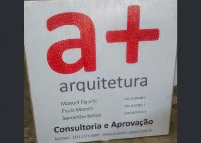 fabro-de-placas-de-obra-Rio-de-Janeiro-penha-modelo