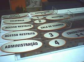 placas_acrilico_vini_escovado_003